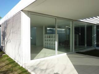 Pabellón cuatro x cuatro Jardines de invierno modernos de Marcelo Ranzini - Arquitectura Moderno