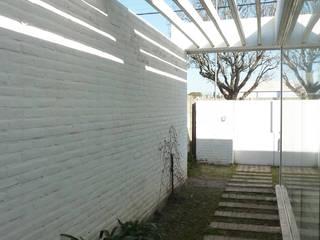 Pabellón cuatro x cuatro Casas modernas: Ideas, imágenes y decoración de Marcelo Ranzini - Arquitectura Moderno