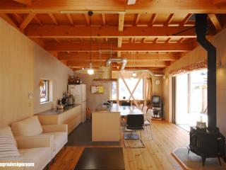 Livings de estilo moderno por アグラ設計室一級建築士事務所 agra design room