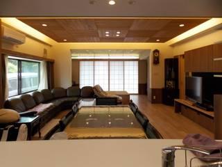 土岐の家T邸 モダンデザインの リビング の アンドウ設計事務所 モダン