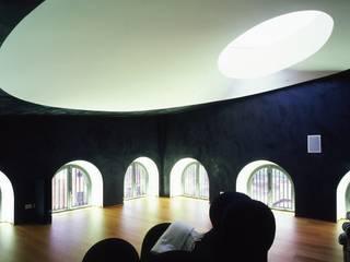 bw2 Sala multimediale minimalista di AG&F architetti Minimalista