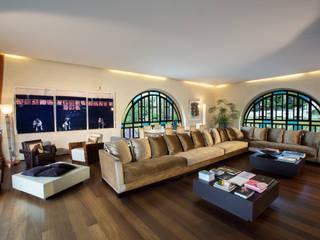 living room: Soggiorno in stile in stile Moderno di AG&F architetti