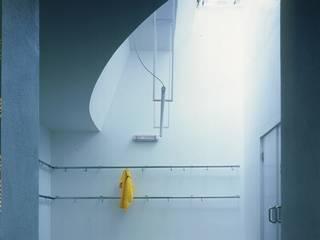 no: Spogliatoio in stile  di AG&F architetti