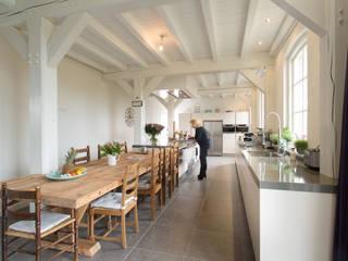 Prachtige moderne boerderij keuken Moderne keukens van Tieleman Keukens Modern