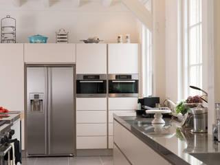 Cozinhas modernas por Tieleman Keukens Moderno