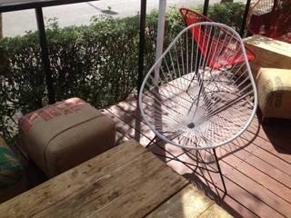 BREA ESPACIOS + ACCESORIOS DECORATIVOS Balconies, verandas & terraces Furniture White