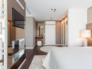 Suite Master:  Bedroom by Movelvivo Interiores, Modern