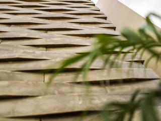 OM Paredes y pisos de estilo moderno de FGO Arquitectura Moderno