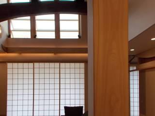 ぬくもりのある落ち着いた居住空間 !!守山の家S邸 モダンデザインの リビング の アンドウ設計事務所 モダン