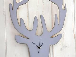 Wanduhr Rentier-Silhouette aus Holz grau:   von Shabbyflair