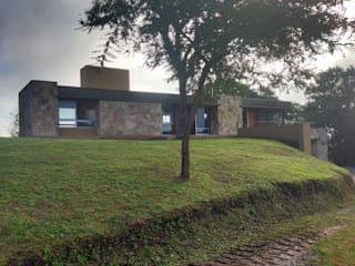 Vivienda Unifamiliar en Raco. Casas modernas: Ideas, imágenes y decoración de ee.arquitectos Moderno