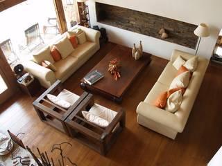 Interiores: Salones de estilo  de Manuel Monroy, arquitecto