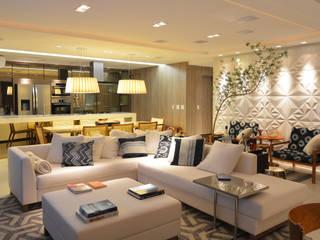 Apartamento Itacorubi Gran Classic 1: Salas de estar  por ANNA MAYA ARQUITETURA E ARTE