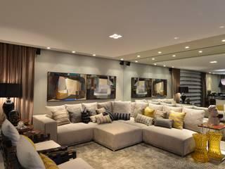 Nowoczesny salon od ANNA MAYA ARQUITETURA E ARTE Nowoczesny Tekstylia Złoty