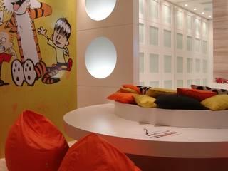 Dormitorios infantiles de estilo moderno por ANNA MAYA & ANDERSON SCHUSSLER