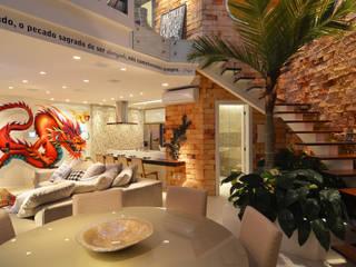 Loft Marine Home Resort: Salas de estar  por ANNA MAYA ARQUITETURA E ARTE