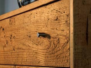woodesign Christoph Weißer Camera da lettoArmadi & Cassettiere Legno Marrone