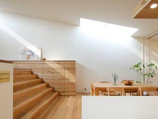 House in Kitaichinosawa: Mimasis Design/ミメイシス デザインが手掛けた現代のです。,モダン