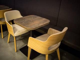 بار/ ملهى ليلي  تنفيذ EGGER Wood-based materials