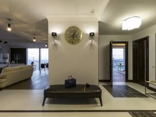 Из Москвы в Санкт-Петербург , 2012 год реализации. Коридор, прихожая и лестница в модерн стиле от Дизайн-бюро'Гармония' Модерн
