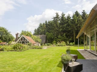 Jardines de estilo rural por hamhuis architecten