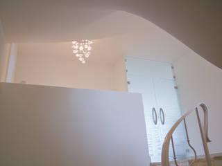 MALMENDIER Innenarchitektur Modern corridor, hallway & stairs