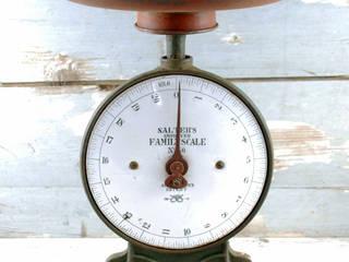 Vintage weegschaal Salter:   door Smeerling Antiek & Restauratie