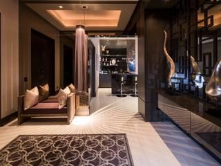 VESTIBULO Pasillos, vestíbulos y escaleras modernos de Rousseau Arquitectos Moderno