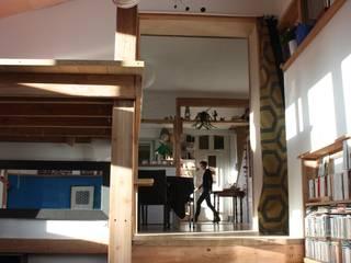 Réhabilitation et extension d'une ancienne maison de pêcheur des années 1930: Cuisine de style  par atelierfrancoisberthe