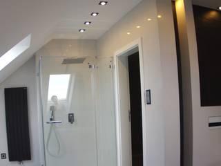 Łazienka na poddaszu z łupkiem: styl , w kategorii Łazienka zaprojektowany przez Pegaz Design Justyna Łuczak - Gręda,