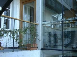 Wohn- und Geschäftshaus Dammweg 43 Bern:  Flur & Diele von Planwerkstatt Architekten