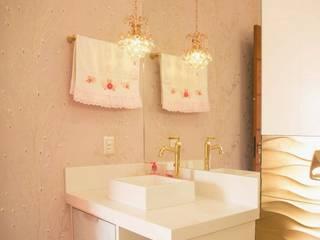 Salle de bain classique par BOULEVARD ARQUITETURA Classique