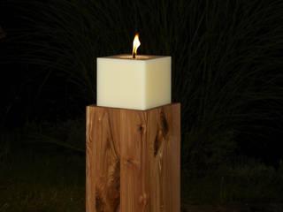 Outdoorkerze 20 x 20 x 18 cm auf Kerzenständer Wildeiche:   von Polarlichter-Kerzen
