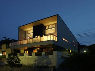 ~開放感あふれる暮らしを楽しむ『回遊する眺望リビングの家』 西薗守 住空間設計室 モダンな 家