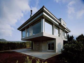 北側全景2: Guen BERTHEAU-SUZUKI  Co.,Ltd.が手掛けた家です。
