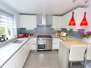 Contemporary Kitchen in Huddersfield at Bradley Cucina moderna di Twenty 5 Design Moderno