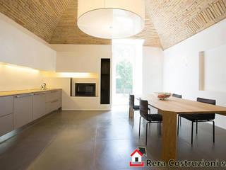 Foto Intervista: Cucina in stile in stile Classico di Rera Costruzioni s.r.l.