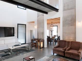 Villa Sole Soggiorno moderno di Resin srl Moderno