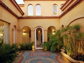 JUNOR ARQUITECTOS Classic style houses