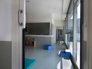 Nursery School, Zarautz Ignacio Quemada Arquitectos Вітальня Білий