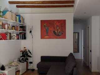 Reforma integral de piso en Barcelona Salones de estilo mediterráneo de Asbbcn Mediterráneo