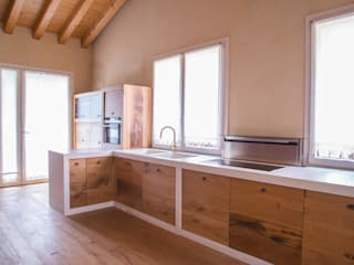 Villa Rustica Cucina in stile rustico di RI-NOVO Rustico Pietra