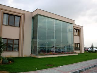 Modern style balcony, porch & terrace by Glassinox Cam ve Metal Sistemleri Modern