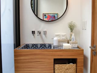 Bathroom by OBRA BLANCA,