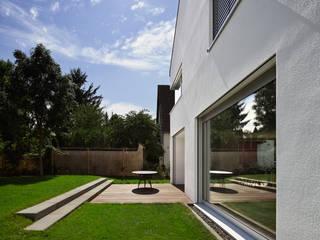 Haus H / Mainz: moderne Häuser von Lennart Wiedemuth / Fotografie