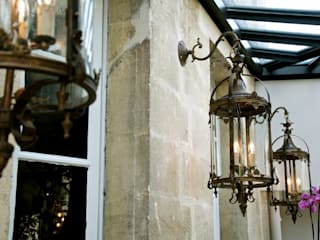 Balkon, Beranda & Teras Modern Oleh Cabanes & Chateaux Modern