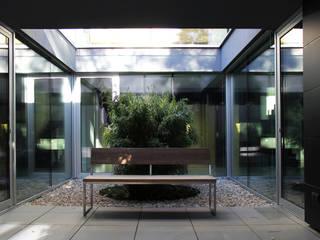 H_O Moderner Balkon, Veranda & Terrasse von Architekt Zoran Bodrozic Modern