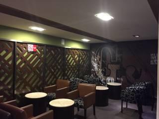 gloria jean's coffe Bares y clubs de estilo minimalista de tushled Minimalista