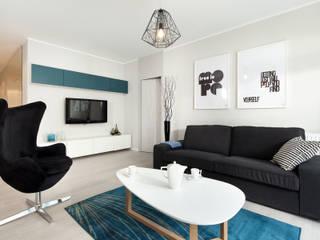 mieszkanie pokazowe 4 pokoje - apartamenty na polanie - Gdynia: styl , w kategorii Salon zaprojektowany przez Anna Maria Sokołowska Architektura Wnętrz ,Minimalistyczny