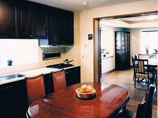 Mediterranean style kitchen by 株式会社 山本富士雄設計事務所 Mediterranean